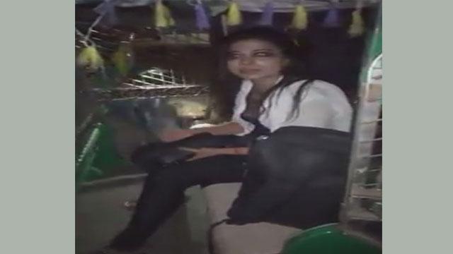 রাজধানীতে মধ্যরাতে তরুণীকে হেনস্তা, ২ পুলিশ সদস্য বরখাস্ত