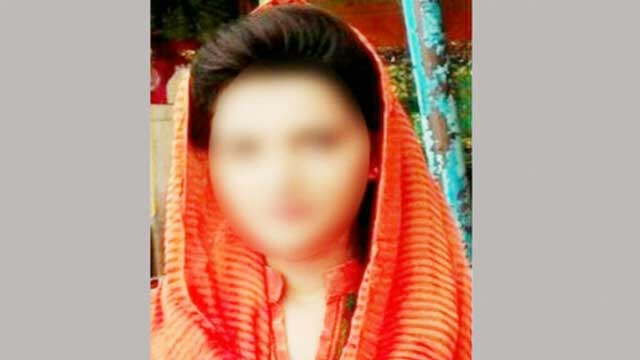 কুমিল্লায় জুয়ার টাকা দিতে না পেরে 'বৌ বন্ধক'!