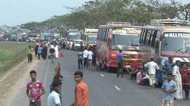 ঢাকা-চট্টগ্রাম মহাসড়কে ৩০ কি.মি. যানজট