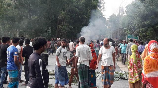 দিনাজপুরে ভ্যানচালক খুন, 'খুনি'কে পুড়িয়ে হত্যা