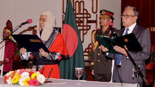 Mahmud Hossain takes oath as chief justice