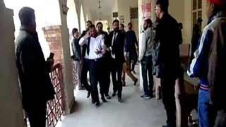 পাকিস্তানে আদালত প্রাঙ্গণে সহকর্মীর গুলিতে ২ আইনজীবী নিহত