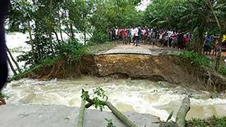 কুশিয়ারা নদীর বাঁধ ভেঙ্গে ২৫ গ্রাম প্লাবিত