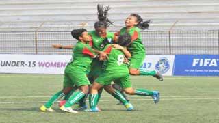'বাংলাদেশের মেয়েরা ছেলেদের আগে ফুটবল বিশ্বকাপ খেলবে'