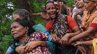 Lightning kills 4 farmers in Magura