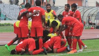 India, Maldives cruise into final