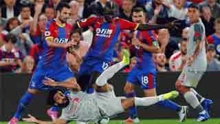 Salah's dive storms as Liverpool beat Palace