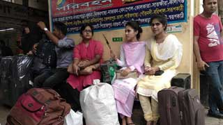 Eid holidaymakers leaving Dhaka