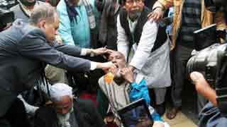 Madrasa teachers end hunger strike upon assurance