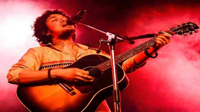 Trying to bring back glory of ghazals: Singer Papon