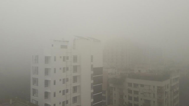 Fog disrupts flights, ferries