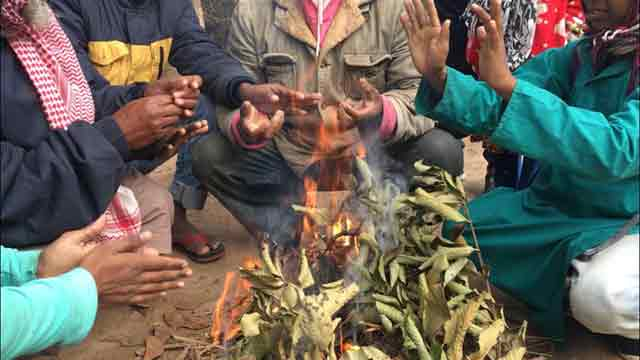Cold wave cripples life in North, kills at least 5
