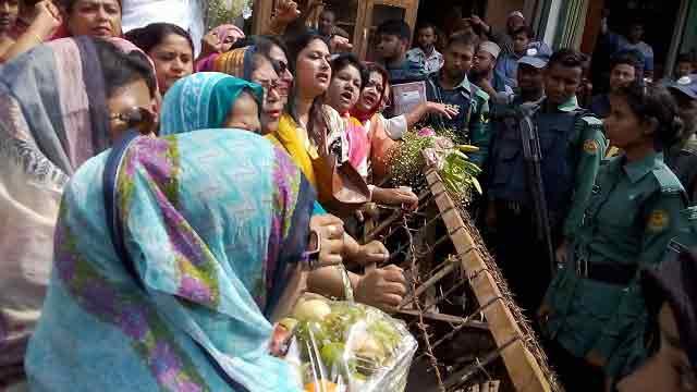 BNP ex-MPs denied permission to meet Khaleda Zia