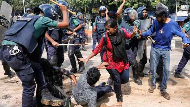 Cops lob tear shells, charge batons to disperse students