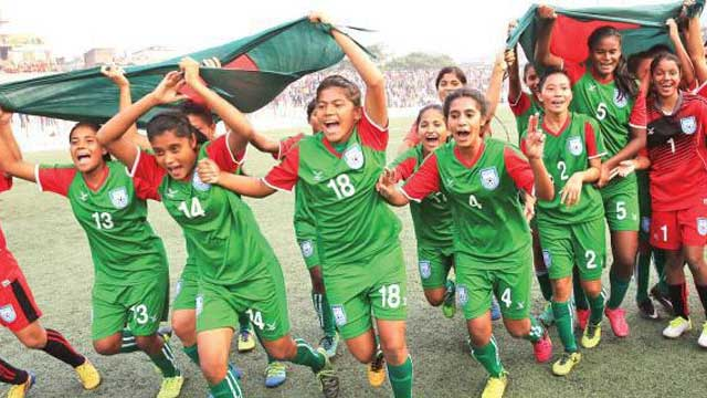 Bangladesh girls clinch four-nation title
