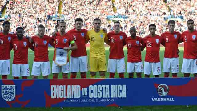 England cruise past Costa Rica