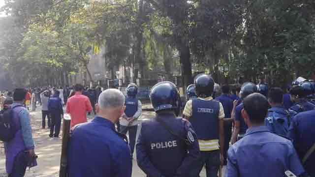 Factional clash of Chhatra League at CU, 2 hurt