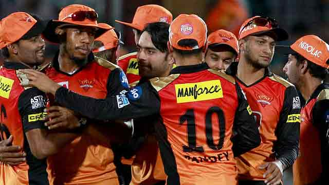 Shakib shines as SRH take top spot