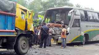Trucker, helper killed in Narsingdi road crash