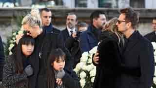 Paris bids Hallyday final goodbye