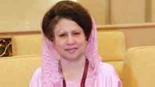 সাবেক প্রধানমন্ত্রী বেগম খালেদা জিয়ার চোখে সফল অস্ত্রোপচার সম্পন্ন