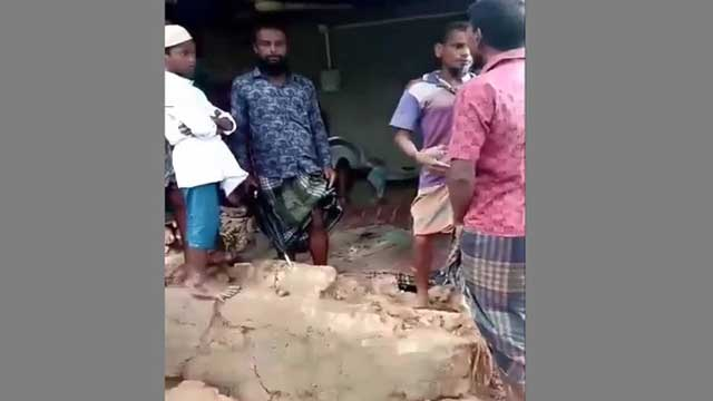 Four killed in Dinajpur as mud house collapses