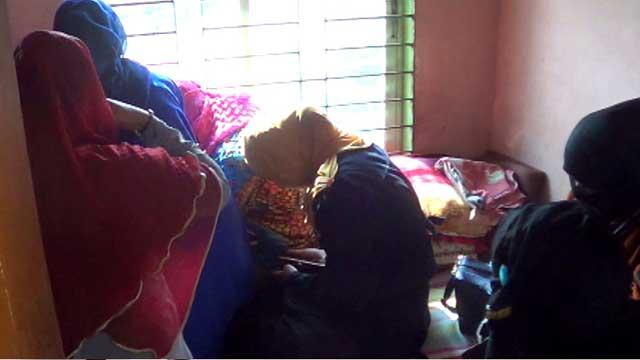 পয়লা ফাল্গুনে হোটেলে থেকে ৩১ তরুণ-তরুণী আটক