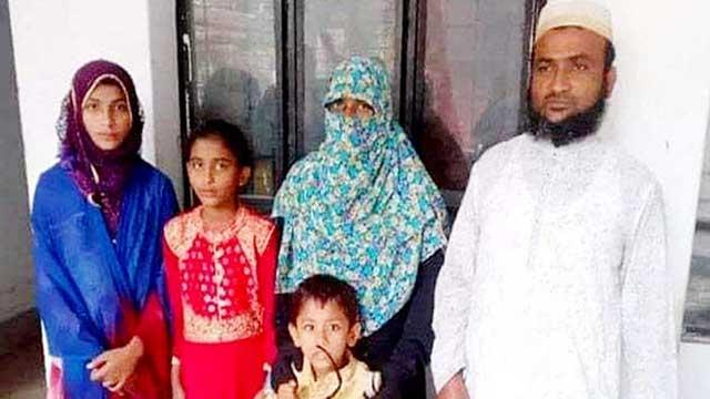 লক্ষ্মীপুরে স্ত্রী ও ৩ সন্তানসহ ইসলাম ধর্ম গ্রহণ