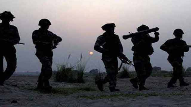 কাশ্মীর সীমান্তে গোলাগুলি: ভারতীয় এক সেনা নিহত