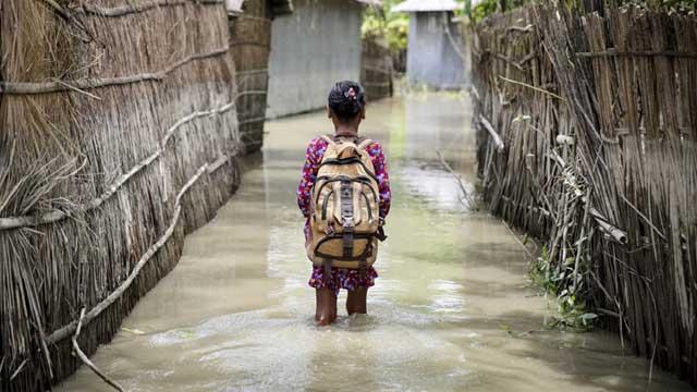 জলবায়ু বিপর্যয়ের ঝুঁকিতে দেশের প্রায় ২ কোটি শিশু