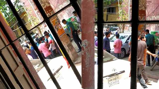 কবি নজরুল কলেজে সাংবাদিকদের উপর ছাত্রলীগের হামলা, আহত ৫