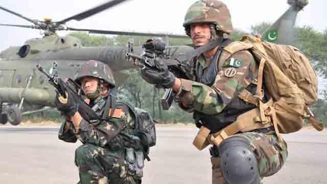 সামরিক সহযোগিতা বাড়াতে পাকিস্তান ও চীনের সেনাপ্রধানের বৈঠক