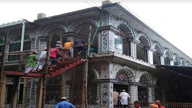 বাংলাদেশে ঢুকে মসজিদ নির্মাণে ভারতীয় বিএসএফ'র বাধা