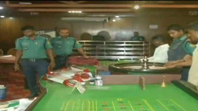 আরামবাগ-মোহামেডানসহ মতিঝিলের চার ক্লাবে অভিযান