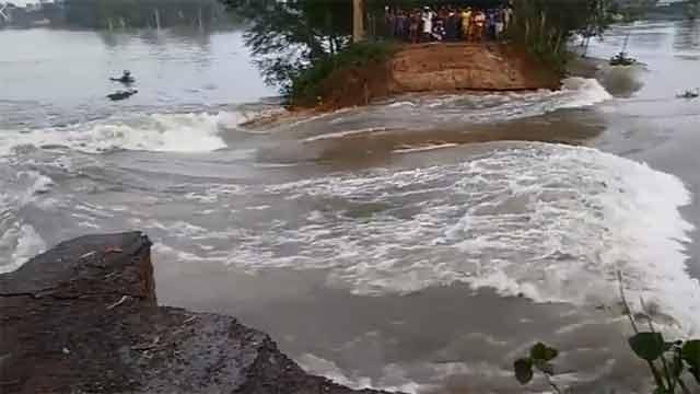 আত্রাই নদীর পানি বিপদসীমার ৯০ সেন্টিমিটার ওপরে