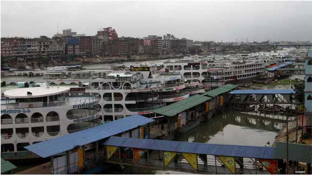 Launch services suspended on Barisal, Bhola internal routes