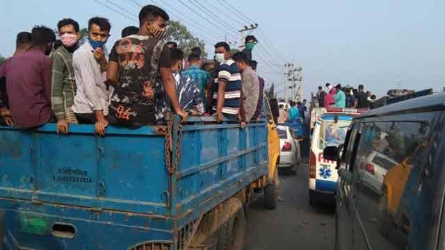 Vehicles moving slowly on Dhaka-Tangail highway