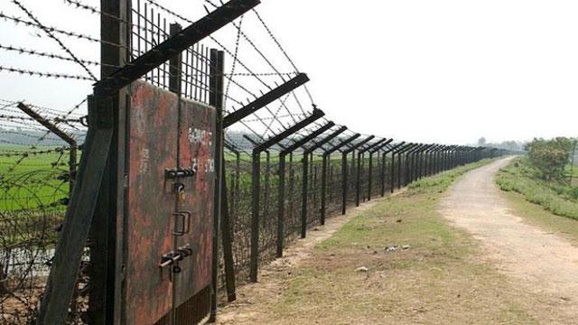 পোরশা সীমান্তে বিএসএফের গুলিতে ৩ বাংলাদেশী নিহত