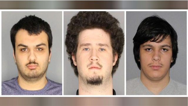 4 charged in bomb plot against Muslim community in New York