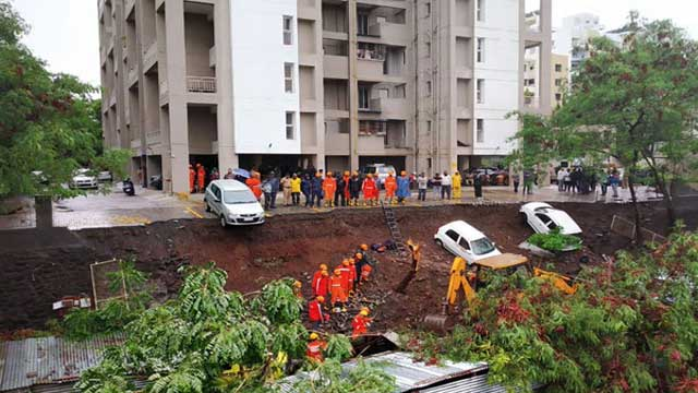 Wall collapses on huts in western India, killing 16 workers