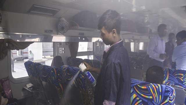 ডেঙ্গু: বাস-ট্রেনে ওষুধ ছিটানোর নির্দেশনায় গা নেই