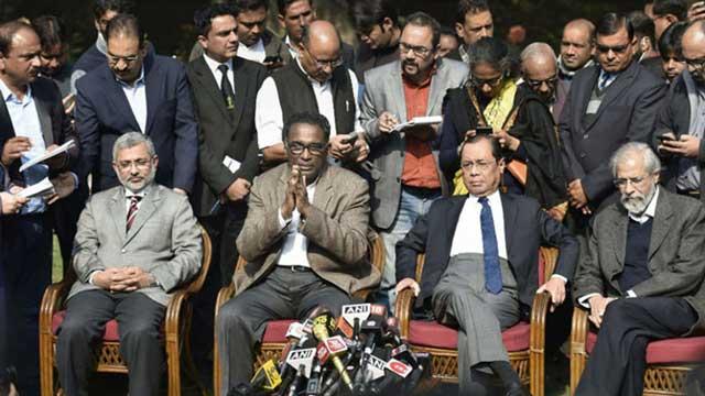 ভারতের হাইকোর্টের সাংবিধানিক বেঞ্চ থেকে ৪ প্রতিবাদী বিচারপতি বাদ