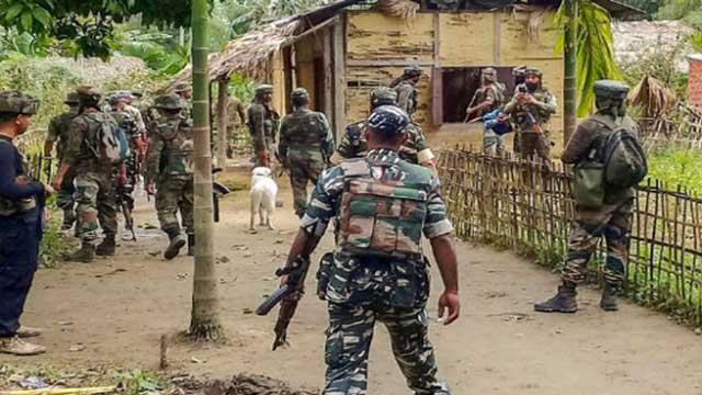 BSF 'picks' 2 Bangladeshis up from Rajshahi border