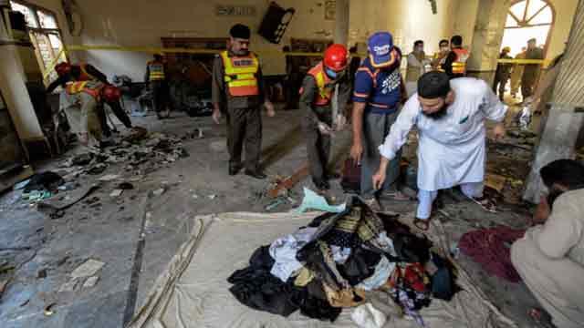 পাকিস্তানে ধর্মীয় প্রতিষ্ঠানে বিস্ফোরণ, নিহত সাত আহত ৭০