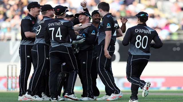 New Zealand arrive in Dhaka for five T20Is