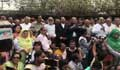খালেদা জিয়ার চিকিৎসা ও মুক্তির দাবিতে বিএনপির মানববন্ধন