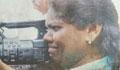 মার খেয়েও ক্যামেরা সরাননি নারী সাংবাদিক
