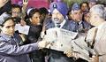 India welcomes Pakistan's return of captured pilot