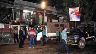 গুলশান কার্যালয়ের সামনে আইনশৃঙ্খলা বাহিনীর টহল