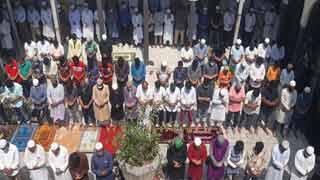 জুমাতুল বিদায় করোনা থেকে মুক্তির মোনাজাত
